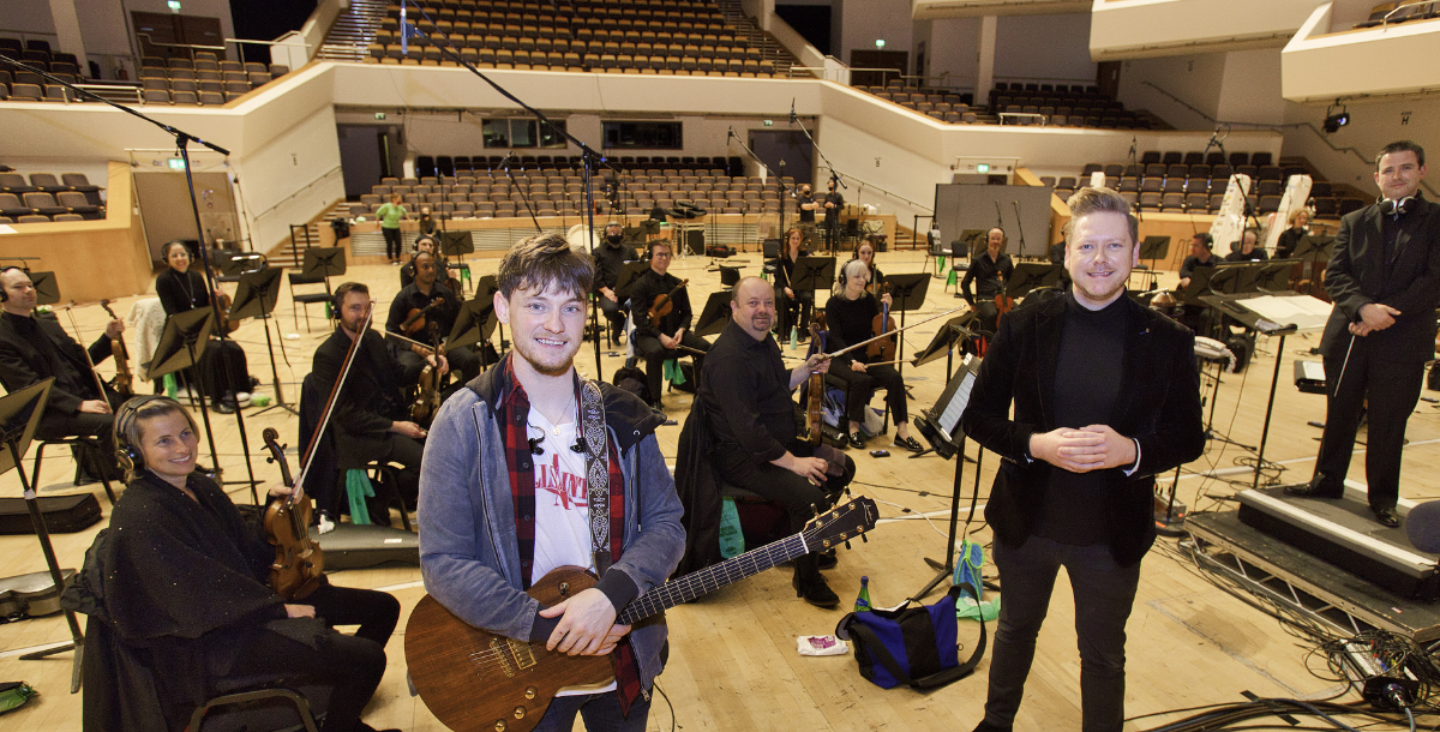 Article image for Ryan McMullan and the Ulster Orchestra collaborate in an emotive song to honour the work of the NHS