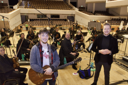 Article image for Ryan McMullan and the Ulster Orchestra collaborate in an emotive new song to honour the work of the NHS